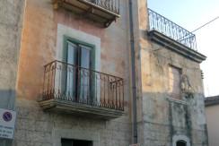Palazzo storico da ristrutturare – Foresta